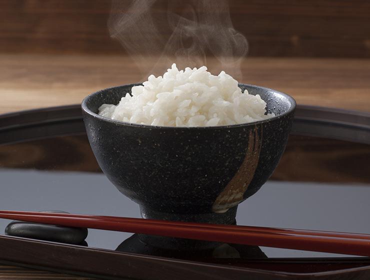 新米で炊いたご飯